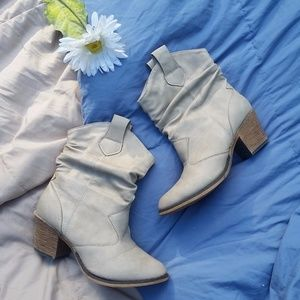 Oat Colored Heeled Slouchy Ankle Boots Size 8