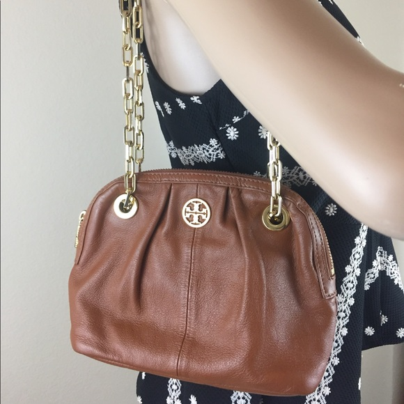 7bbb8a54ef7 Tory Burch mini dena chain purse handbag. M_59dbf4469c6fcf64300106e8