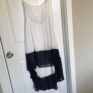 Dresses & Skirts - Strapless hi/low dress