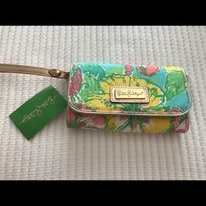 Lilly Pulitzer cell phone wristlet