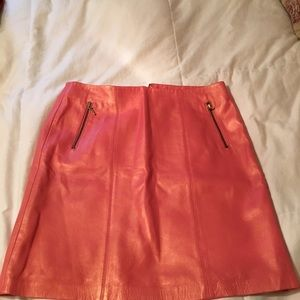 Cache coral leather mini skirt
