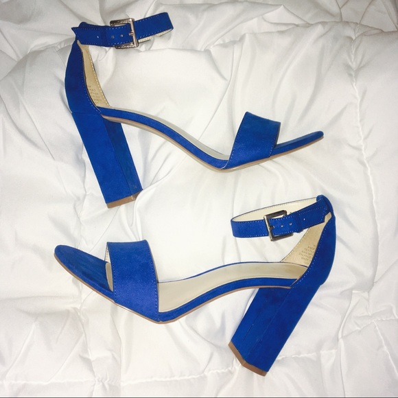 cd949d4dd5c Royal Blue Block Heel. M 59dbf7684e95a39cf7011250