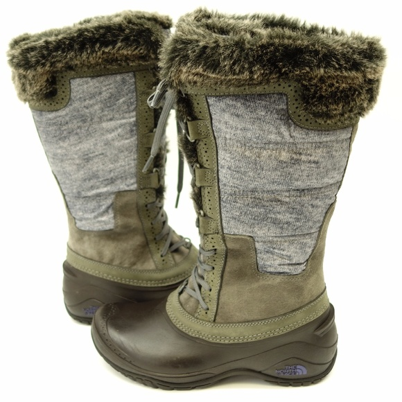 e69f01c58547 The North Face Shellista II Fur Trim Snow Boots. M 59dbf9d07f0a056a09010c40