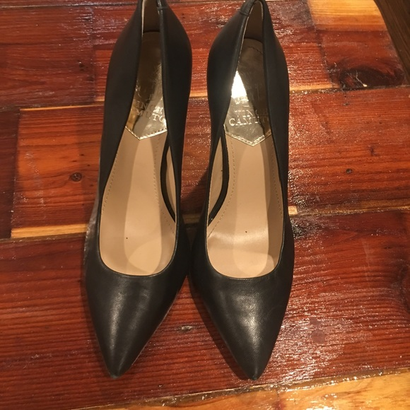 63dd7b400f6 Vince Camuto Kain Leather pointed toe heels size 7