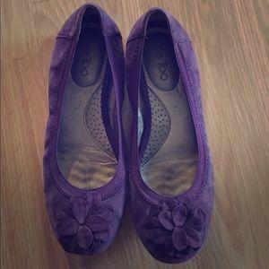 Me too purple ariella flats suede size 7