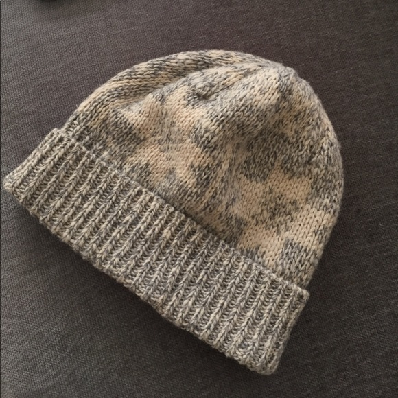 1a1d1a82516 J. Crew Other - J. Crew Men s Knit Stocking Hat Grey and Cream