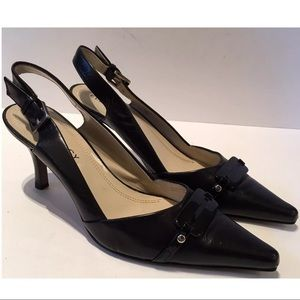Ellen Tracy Willis Black Leather Pointy Sz 7