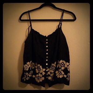 MUDD Black and White Floral Crop Top