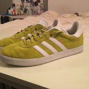Le Poshmark Adidas Chartreuse Gazzella Scarpe Poshmark Le 7a5a1d