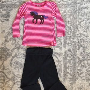 Girl's 2T play outfit.
