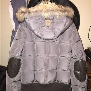Hunter green hooded fur trim puffer jacket
