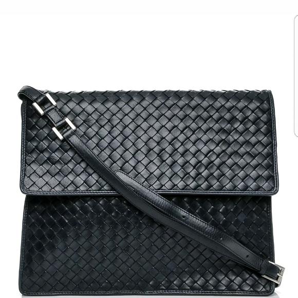 b8e6074a74b5 Bottega Veneta Handbags - 💥SALE💥 Bottega Veneta Intrecciato Crossbody