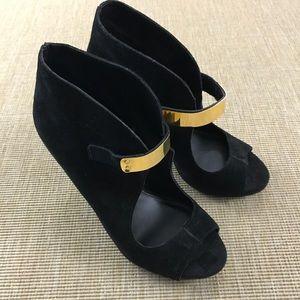 NEW Fergie Black Suede Gold Strap Stiletto 7.5 M