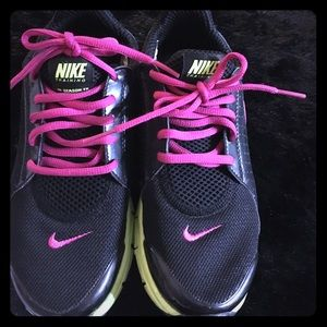 Shoes - Nike training shoes