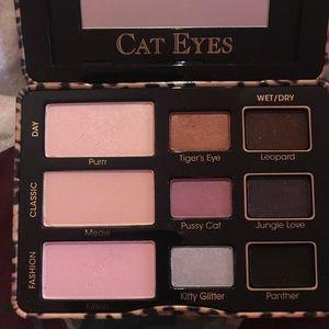 Too Faced eyeshadow palette in Cat Eyes
