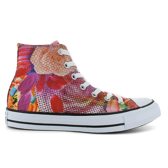 580a16e09347 NWT Converse Chuck Taylor All Star Digital Floral