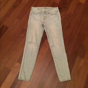 Hollister light wash ripped boyfriend jeans sz 3