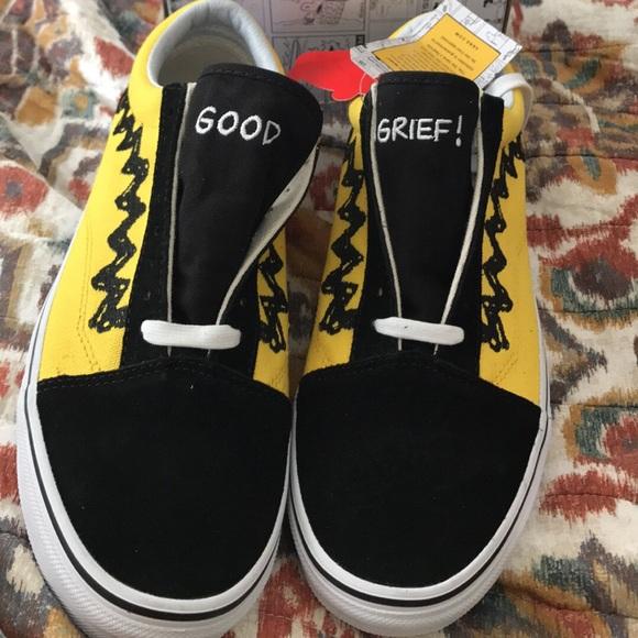 2b583de4eee7 Vans X Peanuts Old Skool Charlie Brown Skate Shoe NWT