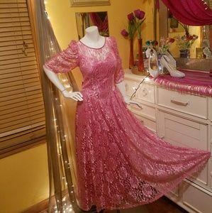 Amazing Vintage Lace Dress!