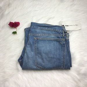 RAG AND BONE BOYFRIEND RIPPED JEANS SIZE 29 NWT