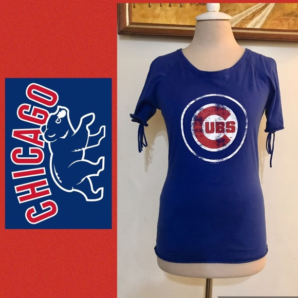 462cfeba36de48 CHICAGO CUBS Blue Cold Shoulder Top. M 59dc6c114127d0b0d40009ae