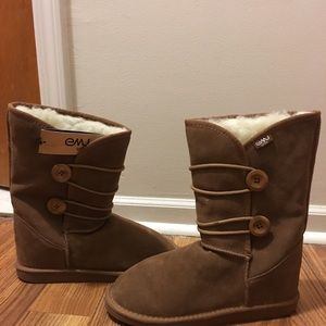 Emu chestnut mid calf boot. *NEW with tags*