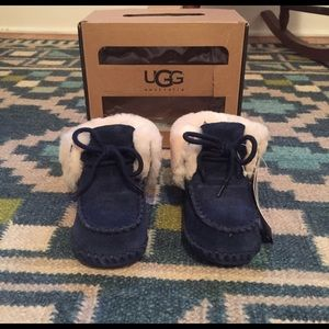 UGG INFANT Navy Suede 'Sparrow' Booties-Size 2/3