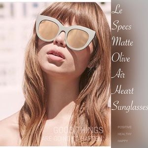 Le Specs Accessories - NWOT Le Specs AirHeart Olive/Gold Sunglasses