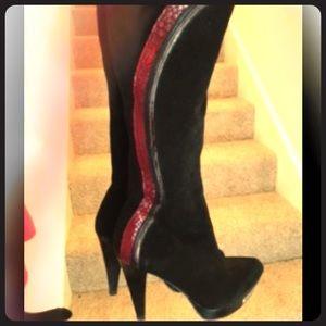 Sexy Black Suede Carlos Santana Boots!
