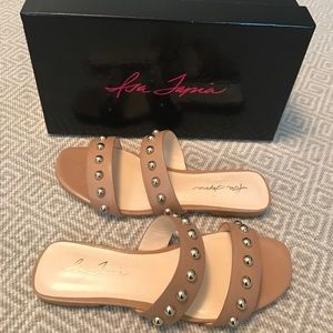 NEW Isa Tapia Camelia Sandals