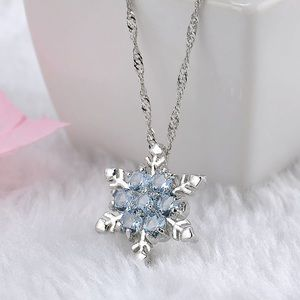 Jewelry - Crystal Snowflake Necklace