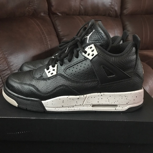 super popular 22cdb e84f6 PRICE DROP! Jordan Retro 4 Oreo