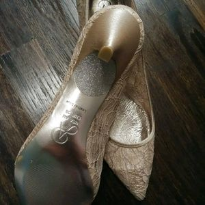 Adrianna papell shoes size 8