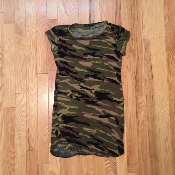 41fe6fb183b8 Forever 21 Dresses   Skirts - Papaya size small camo t-shirt dress