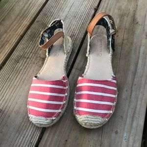 Red white stripe sperry top-sider size 7 shoes