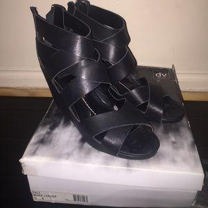 DV wedge sandal