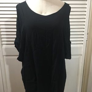 ELAN black wing tunic with arm slits size small.