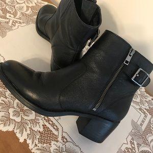 GH Bass & Co. boots