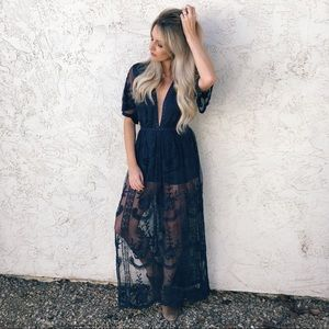 Honey Punch Lace Maxi Dress in Navy
