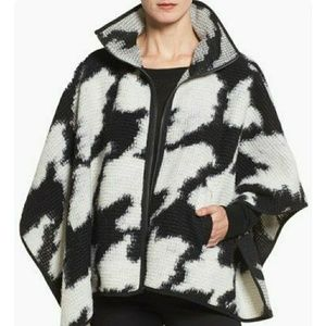 SALE!!! French Connection houndstooth cape
