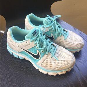 Nike Pegasus 28 - aqua blue and gray sneakers