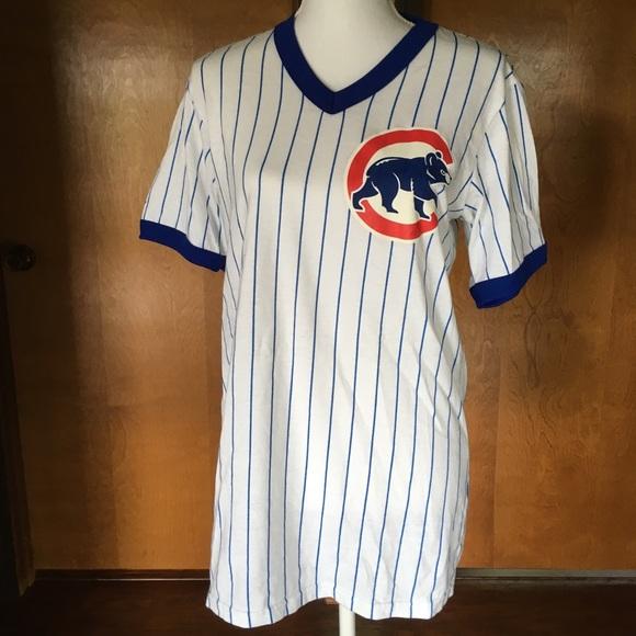 huge discount c9b9c 9fd92 Vintage men's Chicago Cubs Jersey V-Neck Johnson