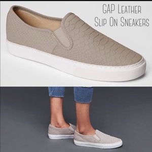 Gap beige/sand slip on leather shoes sz 9.5