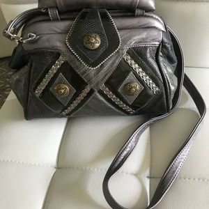 VINTAGE LEATHER CROSSBODY/ HANDBAG