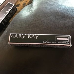 Mary Kay Lash Love Mascara