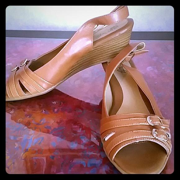 1a65615f9d2a New EuroSoft low wedge sandals