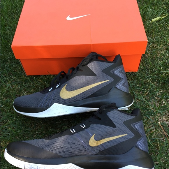6779a5bd6ad Nike Zoom Evidence Gold Basketball Shoes Size 10 NWT