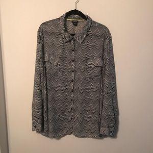 Plus Size Torrid 3 zig zag button down blouse