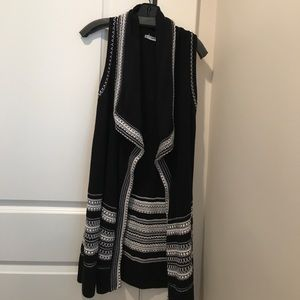Vince Black and white wool open shrug