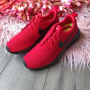 NWT Nike ID Roshe Red on black Oreo ?? NWT